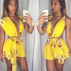 V העמוק צוואר שרוולים הפרחוני קיץ שיפון סרבל Rompers נשים סרבל מכנסיים קצרים סקסי 2016 חוף פנאי