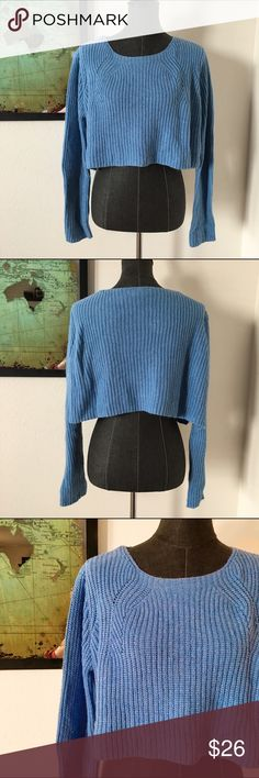 """❗️ SALE❗️ Topshop Knit Cropped Sweater d e s c r i p t i o n  This gorgeous blue knit crop top lends a touch of edginess to any outfit this fall. Pair with some great denim and camisole. In great condition. NO TRADES.  c o n t e n t  70% acrylic 