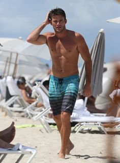 Scott Eastwood Photos - Scott Eastwood enjoys a day out on the beach in Miami, Florida on July 16, 2016. - Scott Eastwood Enjoys a Dip in the Ocean While in Miami