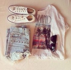 Summer clothes. So cute!! I love how these kind of clothes are loose and cute but also casual.