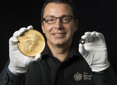 The Royal Mint's Graeme Smith, the Queen's Assay Master, with the First World War gold kilo coin and the 40th oz gold Britannia coin at the 2015 Trial of the Pyx. http://www.royalmint.com/