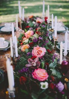 DOMINO:34 garlands on tables that don't even want a centerpiece