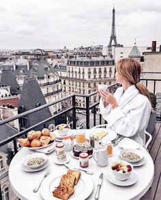 boutique hotel in the heart of amazing Paris! Hote boutique hotel in the heart of amazing Paris! Paris Hotels, Triomphe, Breakfast In Bed, Parisian Breakfast, Morning Breakfast, Morning Coffee, Travel Aesthetic, Paris Travel, Belle Photo