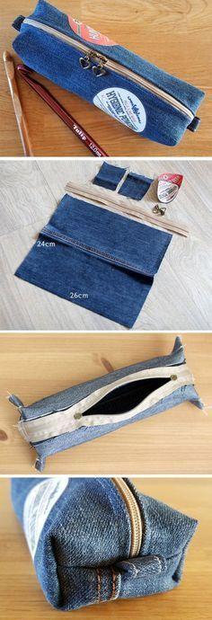 Denim make-up bag or Pencil Case Tutorial DIY http://www.handmadiya.com/2016/10/cosmetic-bag-or-pencil-case-of-jeans-diy.html