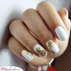 Nails Simple & Trending White Nail Design Ideas Buying Petite Clothing Made
