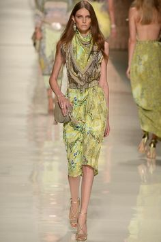 Etro Spring 2014 Ready-to-Wear Collection Slideshow on Style.com#17