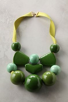 Marion Vidal necklace I like this simplistic approach to a jungle themed necklace
