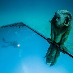 Un museo bajo el mar para descubrir buceando en #Lanzarote. #IslasCanarias #viajes #travel