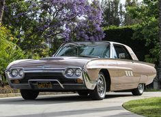 1963 Ford Thunderbird Hardtop Coupe Maintenance/restoration of old/vintage… Old American Cars, American Classic Cars, Ford Classic Cars, Classic Trucks, Rat Rods, Cadillac, Muscle Cars, Vintage Cars, Antique Cars