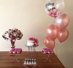A imagem pode conter: área interna Picnic Birthday, 21st Birthday, Birthday Parties, Birth Cakes, Celebration Balloons, Birthday Surprise Boyfriend, Diy Birthday Decorations, Its My Bday, Happy B Day