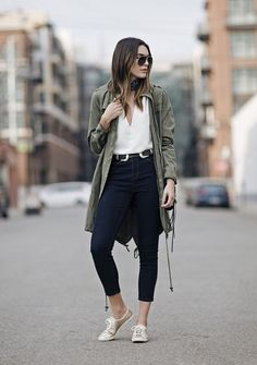 5299fca666b 40+ Classic and Modern Fall Street Style Ideas To Try Right Now. Fall JeansPreppy  OutfitsAutumn ...