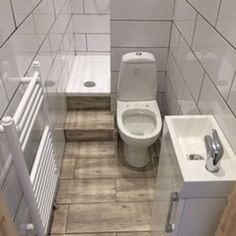Bathroom ides for tiny bathrooms. You can make a great bathroom for small space and still make it modern bathroom design. This small shower room ideas is perfect for apartment and small houses. Tiny Bathrooms, Tiny House Bathroom, Bathroom Design Small, Modern Bathroom, Master Bathroom, Bathroom Pink, Small Narrow Bathroom, Bathroom Toilets, Small Sink