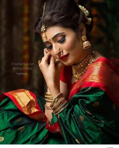 One of the top trends of 2019 is flaunting that newly married look! We're drooling over this one with a traditional silk saree and gajra… Indian Bridal Sarees, Wedding Silk Saree, Indian Bridal Fashion, Indian Wedding Outfits, Indian Outfits, Indian Clothes, Indian Weddings, Bridal Lehenga, Indian Dresses