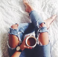 Coffee in bed. Tumblr Girls, Photo Poses, Ripped Jeans, Skinny Jeans, Denim Fashion, Moda Fashion, Photography Poses, Brave, Photoshoot