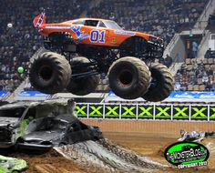 . Monster Truck Madness, Monster Truck Jam, Lifted Chevy Trucks, Ford Trucks, Pickup Trucks, Weird Cars, Cool Cars, General Lee, Amazing Cars