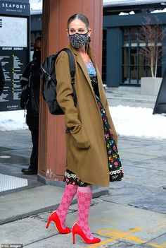 Dirty Dancing, Sarah Jessica Parker, Carrie Bradshaw, Style And Grace, Style Me, Canada Goose Jackets, Style Icons, Celebrity Style, Winter Jackets