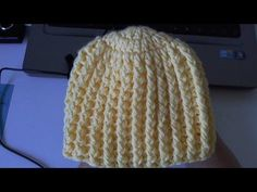 ▶ Learn to crochet Easy Ribbed Beanie/Cap Style 1 (Tambien en Español) - YouTube