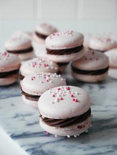 Hallon- och chokladmacarons | Brinken bakar
