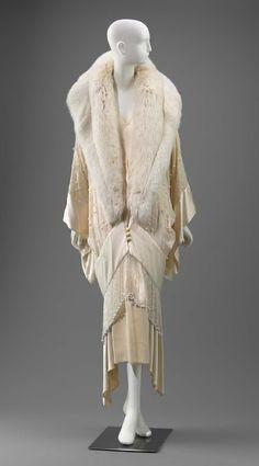 1930s Fashion, Art Deco Fashion, Retro Fashion, Vintage Fashion, Fashion Design, Edwardian Fashion, Womens Fashion, Vintage Dresses, Vintage Outfits