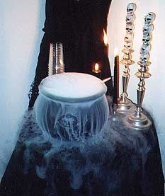 DIY Halloween Decorations - Witches Cauldron