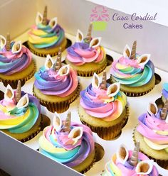 Cupcakes Unicorn Magiques - Party Wowzy - Alydia's Birthday - Rainbow Cupcakes, Yummy Cupcakes, Cupcake Party, Cupcake Cakes, Birthday Cupcakes, Diy Unicorn Birthday Party, 5th Birthday, Birthday Ideas, Fete Marie
