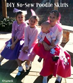 obSEUSSed: Make a No-Sew Poodle Skirt Includes link instructions for a sewn circle skirt too Kids 50s Costume, 1950 Costumes, Diy Halloween Costumes, Costume Ideas, Halloween Ideas, Nerd Costumes, 70s Costume, Vampire Costumes, Hippie Costume