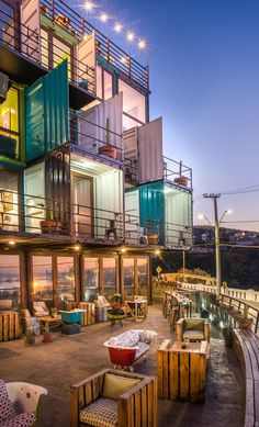 Hotel WineBox (Valparaiso, Chile) On the coast in Valparaiso, Chile, the wine-themed Hotel WineBox features accommodations with private terraces. The property is constructed out of 25 salvaged shipping containers purchased from the nearby port of San Container Home Designs, Shipping Container Design, Container House Plans, Shipping Containers, Shipping Container Office, Architecture Design, Hotel Architecture, Baroque Architecture, Design Hotel