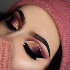 OMG look at this! So beautiful ♥ These makeup looks are true inspiration! OMG look at this! So beautiful ♥ These makeup looks are true inspiration! Whether you're creating dramatic makeup looks or something for everyday you . Dramatic Eye Makeup, Dramatic Eyes, Smokey Eye Makeup, Makeup Light, Makeup Black, Heavy Makeup, Dark Makeup, Gold Makeup, Eyeshadow Looks