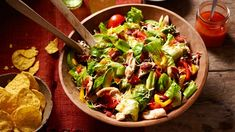 Enjoy delicious Mexican food with this Chicken BLT Taco Salad recipe from Old El Paso, cheese, meats & vegetables all tied together with an easy salsa dressing. Mexican Food Recipes, Dinner Recipes, Ethnic Recipes, Dinner Ideas, Chicken Blt, Taco Salad Recipes, Salad Bowls, Fajitas, Lunches And Dinners