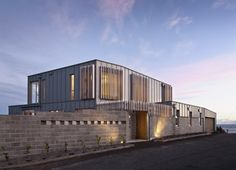 Cook Strait House / Tennent + Brown Architects