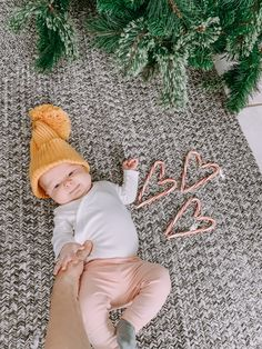 Christmas Baby 🎄 Baby Girl Photos, Christmas Baby, Kids Rugs, Inspiration, Home Decor, Mom, Life, Biblical Inspiration, Decoration Home