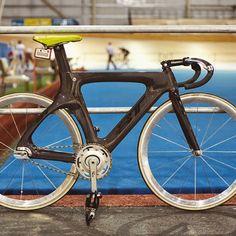 """""""#fixie #fixedgear #fixie_bikes_101 #RideFixedStayFixed #RFSF #BT #full #carbonfiber #frame #3T #dropbars #track #trackbike #bike #bikeporn #cycle"""""""
