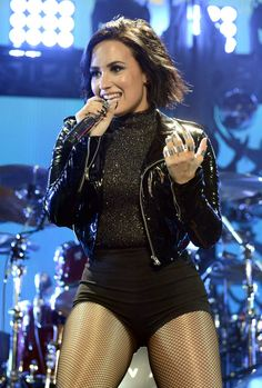 Demi Lovato Beauty Tips   POPSUGAR Beauty