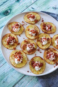 Avocado rolls and surimi - Clean Eating Snacks Tapas Dinner, Tapas Menu, Tapas Party, Tapas Recipes, Tapas Ideas, Crab Recipes, Party Recipes, Healthy Sweet Snacks, Yummy Food