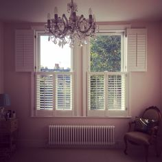 Shutters from our Traditional range, installed tier on tier, white finish in 62mm louvers #bedroom #interior #interiordesign #window #styling #shutters #traditional #range #windowseat #plantationshutters #design #manufacture #installation #homedecor #house #decoration #home #decorationideas #interiorinspo #instahome #instadecor