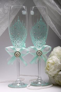 Wedding glasses MINT with hand paintedToasting Glasses от VIZZARA