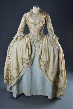 18th Century Dress, 18th Century Costume, 18th Century Clothing, 18th Century Fashion, Rococo Fashion, Victorian Fashion, Vintage Fashion, Old Fashion Dresses, Old Dresses