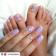 Matching lavender french with florals. Cute Toe Nails, Toe Nail Art, Love Nails, Pretty Nails, Fun Nails, Acrylic Nails, Gel Nail, Toe Nail Designs, Stylish Nails