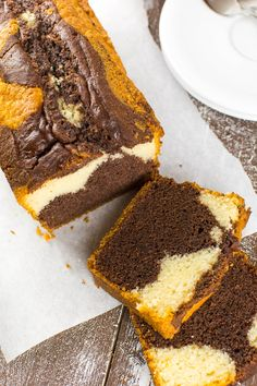 Back to basics: perfect vegan marble Back to Basics: Perfekter veganer Marmorkuchen Perfect vegan marble cake - Easy Cake Recipes, Sweet Recipes, Vegan Recipes, Dessert Recipes, Bolo Vegan, Cake Vegan, Marble Cake, Food Cakes, Mug Cakes