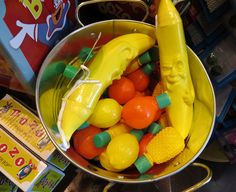 """The """"Happy to see me"""" Edition of Rusty's Electric Dreams is live:  electricdreaming.com/archives/501 #bananas"""
