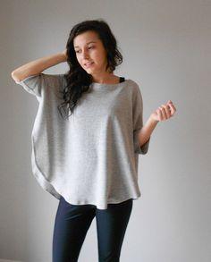 SIEHE LETZTES FOTO FÜR FARBE FARBFELDER.    Ich liebe dieses Top! Es kann so vieles sein: einen Pullover, eine Jacke, ich kann nicht entscheiden!!!