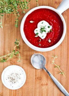 Červená řepa, jak ji neznáte: Zkuste polévku, dortík i karbanátky - Proženy Salsa, Food And Drink, Soup, Cooking Recipes, Ethnic Recipes, Chef Recipes, Salsa Music, Soups