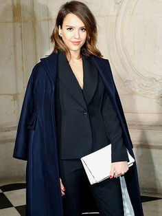 Star Tracks: Monday, March 3, 2014 | CHIC CHICK | Jessica Alba continues her stylish week of fabulous Paris Fashion Week fun by attending the Dior show on Friday.