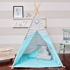 The tepee tent will be a great hideout for your child for any season. It will be perfect for your apartment, patio, balcony or garden. It will embellish any interior and make it cosy. It can hold not only the child, but also the parent, happy to read the little one a bedtime story. The