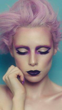 makeup, cat eye, purple, pink, halloween, bare bones, barexbones, bare bones blog