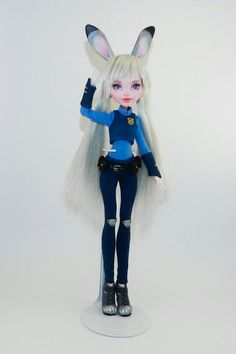 Custom MH Dolls I like this but I would have at least drawn on a cute bunny nose or something Custom Monster High Dolls, Monster High Repaint, Custom Barbie, Custom Dolls, Clay Dolls, Art Dolls, Ever After High, Realistic Dolls, Doll Painting
