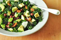 Salad of raw kale tossed in a red wine vinaigrette with chewy bits of dried apricots, creamy avocado a handful of almonds, a spoonful of beans, and a few flakes of salty parmesan turn this salad into a very satisfying meal. Clean Eating, Healthy Eating, Healthy Food, Dinner Healthy, Vegetarian Recipes, Healthy Recipes, Kale Recipes, Vegetarian Cooking, Salad Recipes For Dinner