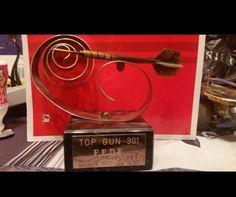 Dos Trofeos De Dardos Top Gun Cricket
