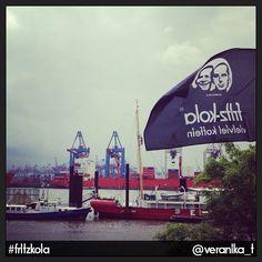 ☮✿★ fritz-kola ✝☯★☮  Der Hamburger Hafen schreibt sich Geschmack auf die Fahne. Fritz Kola, Hamburger, Opera House, Fair Grounds, Vacation, How To Plan, Building, Travel, Vacations