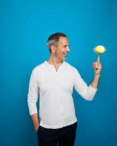 Easy does it: seven simple new Yotam Ottolenghi recipes Ottolenghi Recipes, Yotam Ottolenghi, Middle Eastern Dishes, Middle Eastern Recipes, Cooking Chef, Healthy Cooking, Veggie Recipes, Vegetarian Recipes, Healthy Recipes